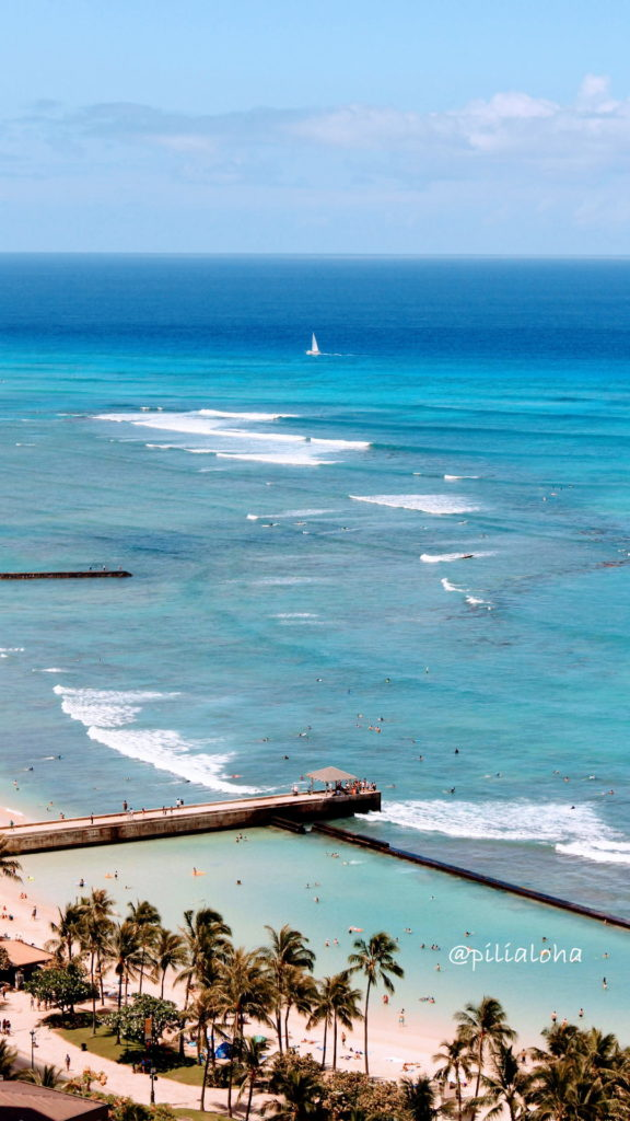 free iphone wallpaper waikiki beach in Hawaii